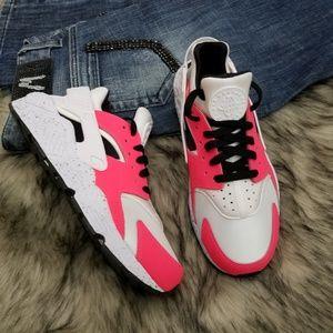 Nike Air Huarache iD Women's Custom Shoes